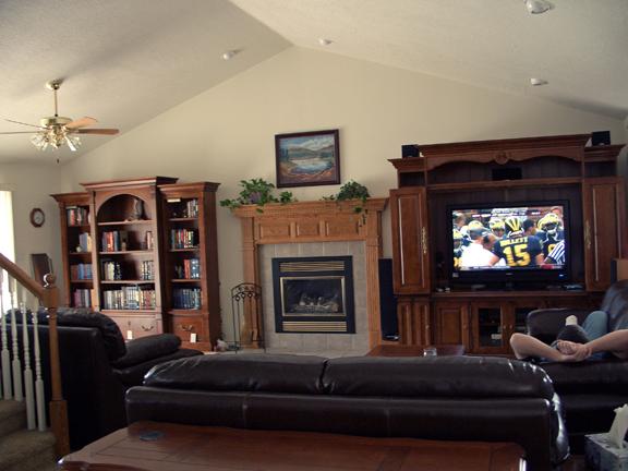 4-living-room-after-sept-2007.jpg