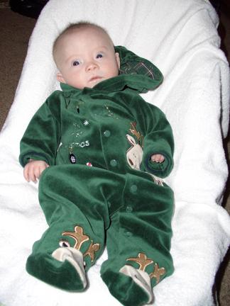 113007-christmas-outfit-hood-down-b.jpg